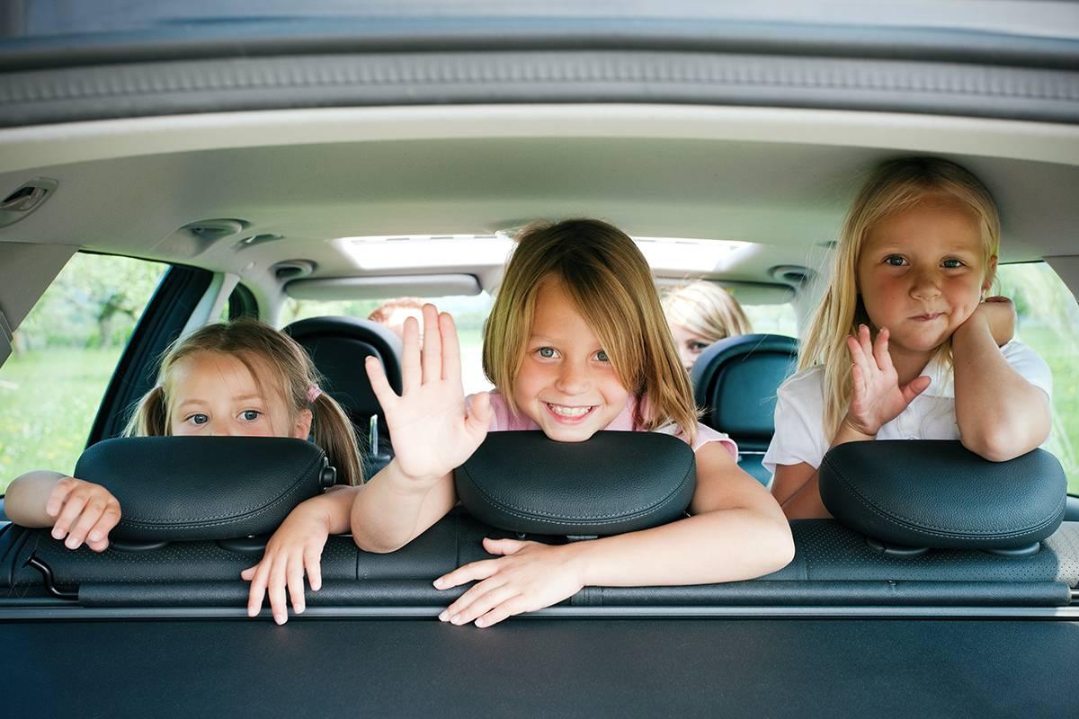 web-girl-children-kids-car-happy-waving-kzenon-shutterstock_29603536